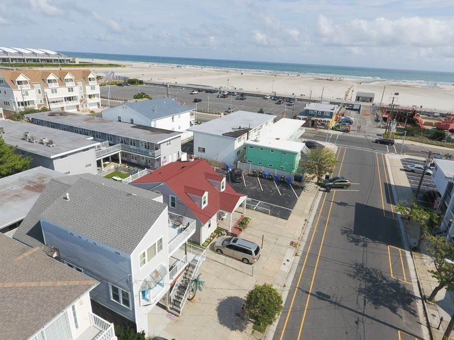 Multi-Family Homes por un Venta en 305 E Leaming Avenue Wildwood, Nueva Jersey 08260 Estados Unidos