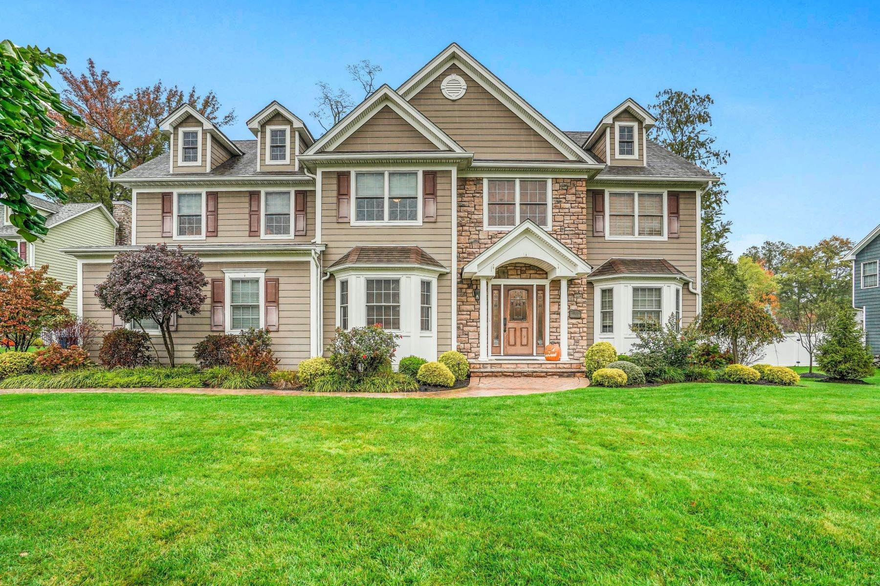 Single Family Homes for Sale at Perfect For Today's Living 11 Hidden Meadow Drive Scotch Plains, New Jersey 07076 United States