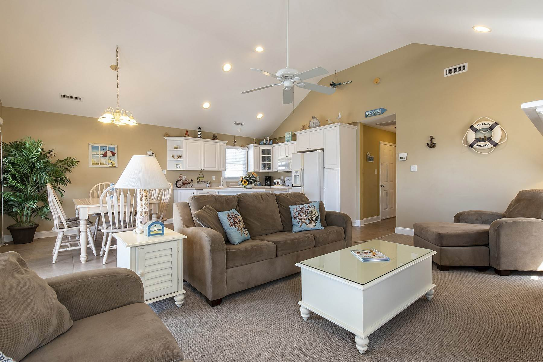 20. Duplex Homes for Sale at Centrally Located Duplex 631 E 10th Street Ocean City, New Jersey 08226 United States