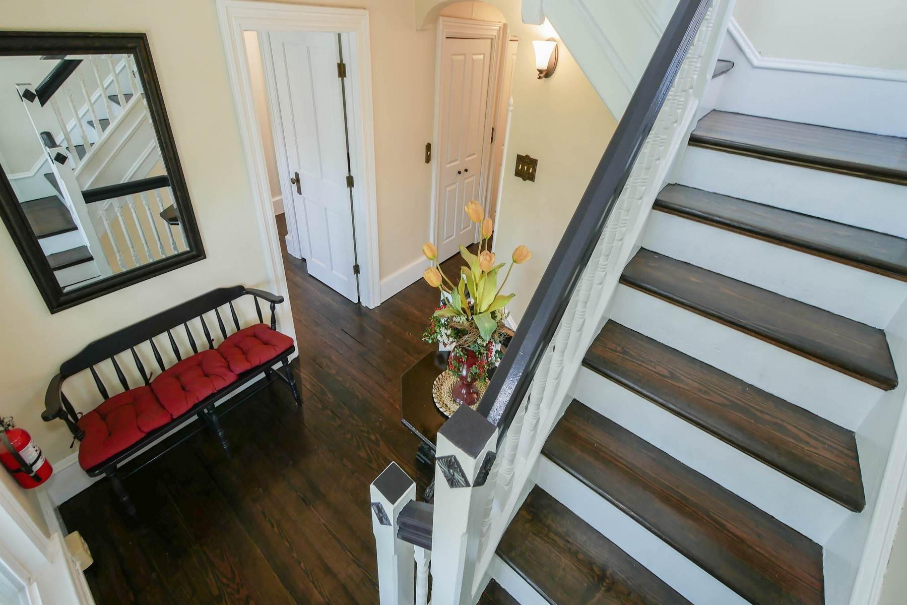 29. Multi-Family Homes for Sale at The Painted Lady Victorian Home 816 Wesley Ave Ocean City, New Jersey 08226 United States