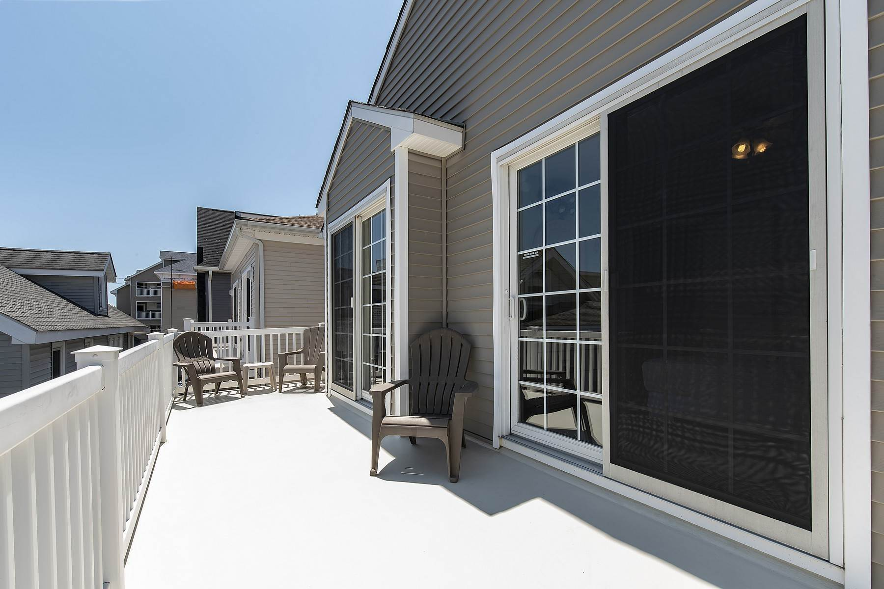 30. Duplex Homes for Sale at Centrally Located Duplex 631 E 10th Street Ocean City, New Jersey 08226 United States