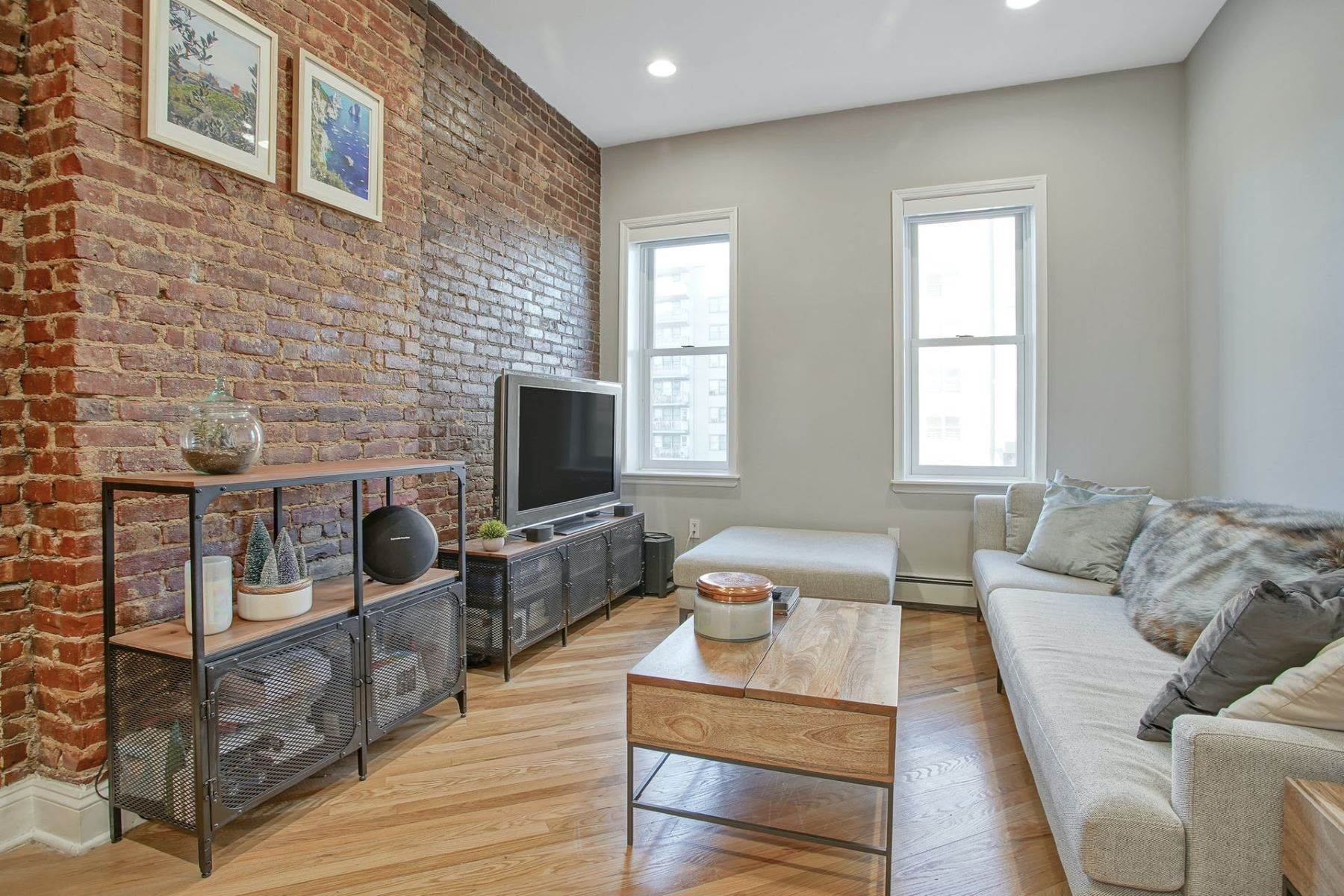 Condominiums for Sale at Charming one bedroom one bath 218 Jefferson Street #8 Hoboken, New Jersey 07030 United States