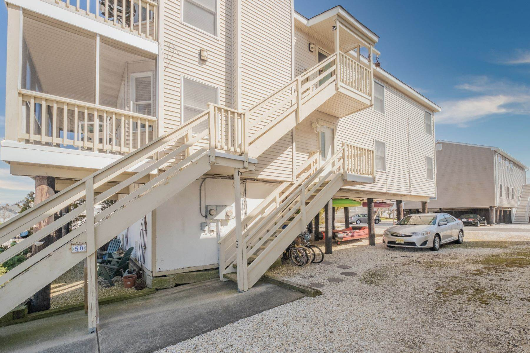 16. Condominiums for Sale at Southend First Floor Condo 48 W 55th Street Ocean City, New Jersey 08226 United States