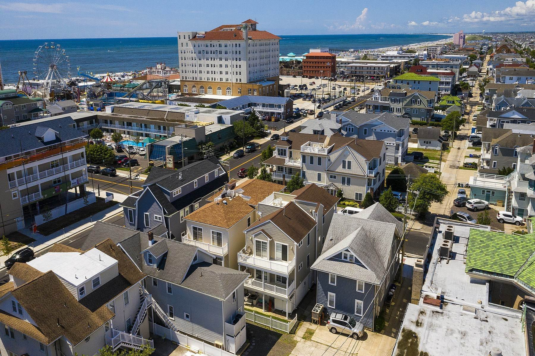 36. Duplex Homes for Sale at Centrally Located Duplex 631 E 10th Street Ocean City, New Jersey 08226 United States