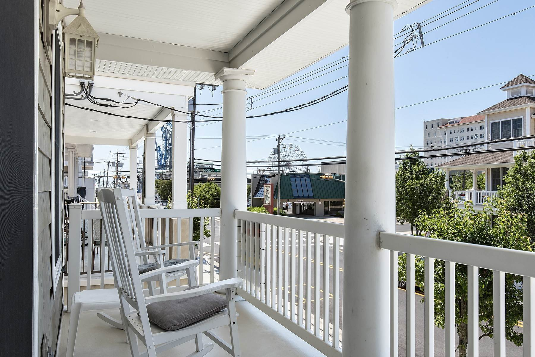 17. Duplex Homes for Sale at Centrally Located Duplex 631 E 10th Street Ocean City, New Jersey 08226 United States