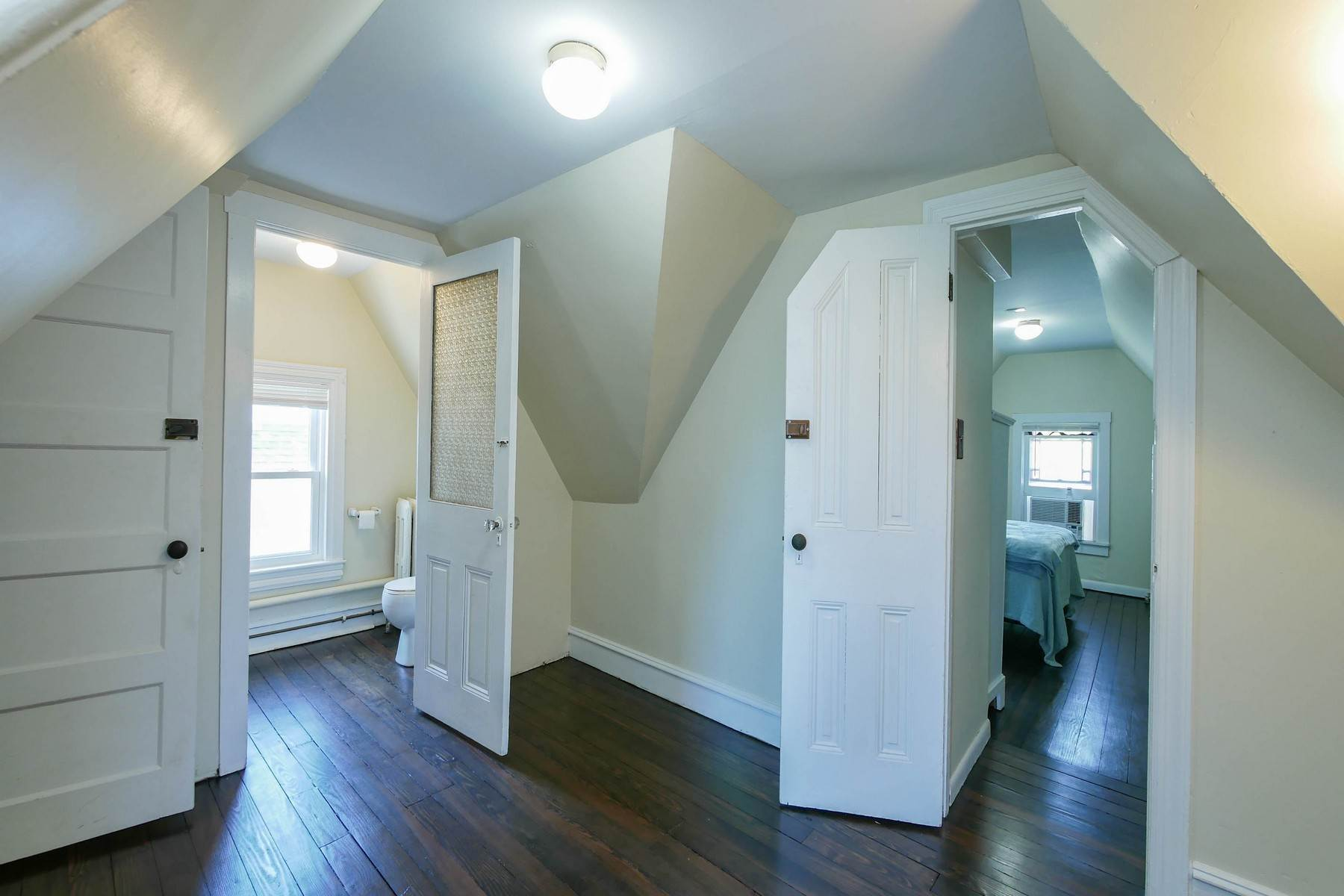 25. Multi-Family Homes for Sale at The Painted Lady Victorian Home 816 Wesley Ave Ocean City, New Jersey 08226 United States