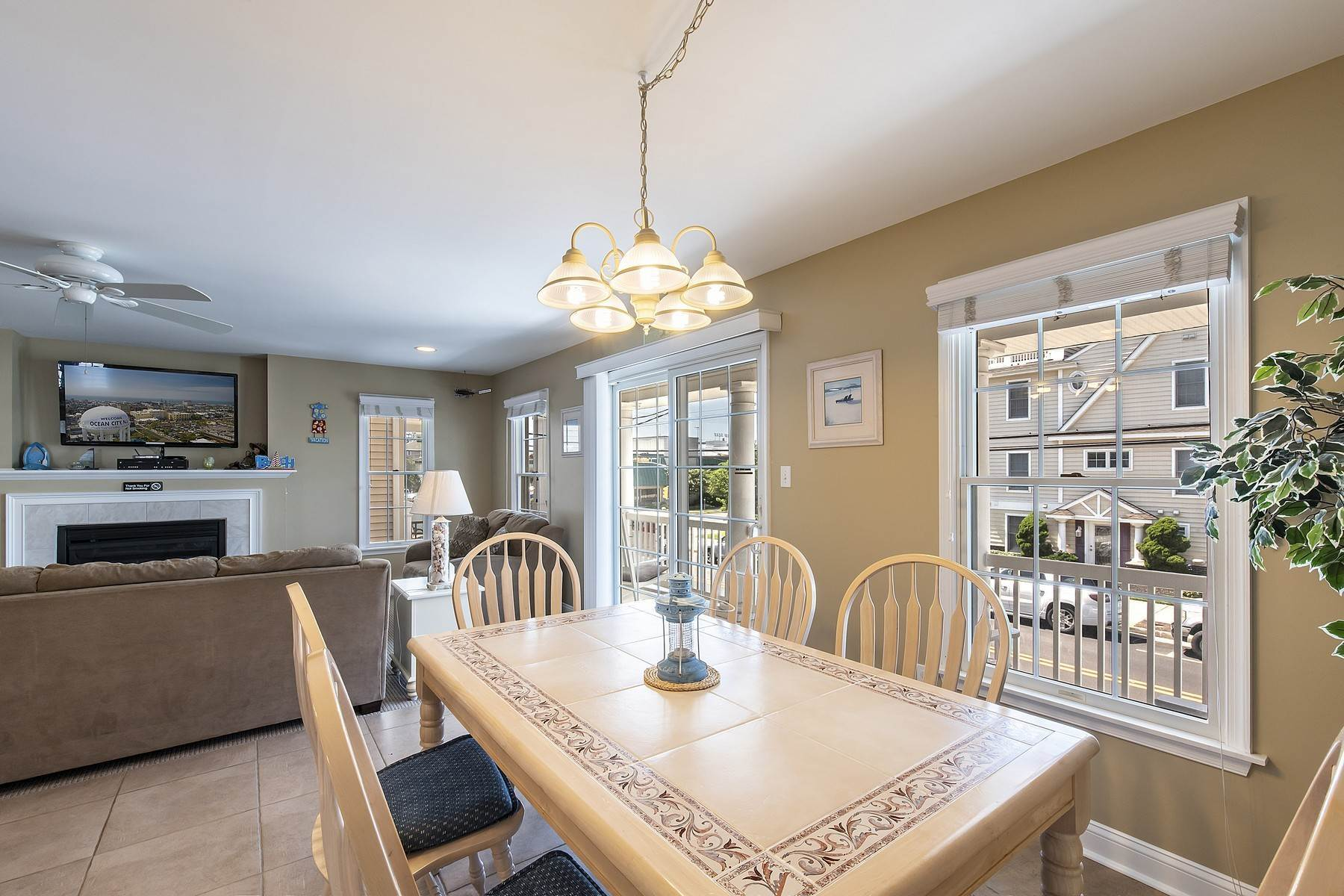15. Duplex Homes for Sale at Centrally Located Duplex 631 E 10th Street Ocean City, New Jersey 08226 United States