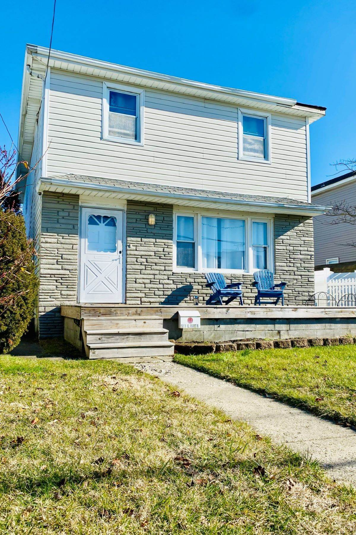 Single Family Homes for Sale at 311 N Dover Avenue 311 N Dover Ave Atlantic City, New Jersey 08401 United States