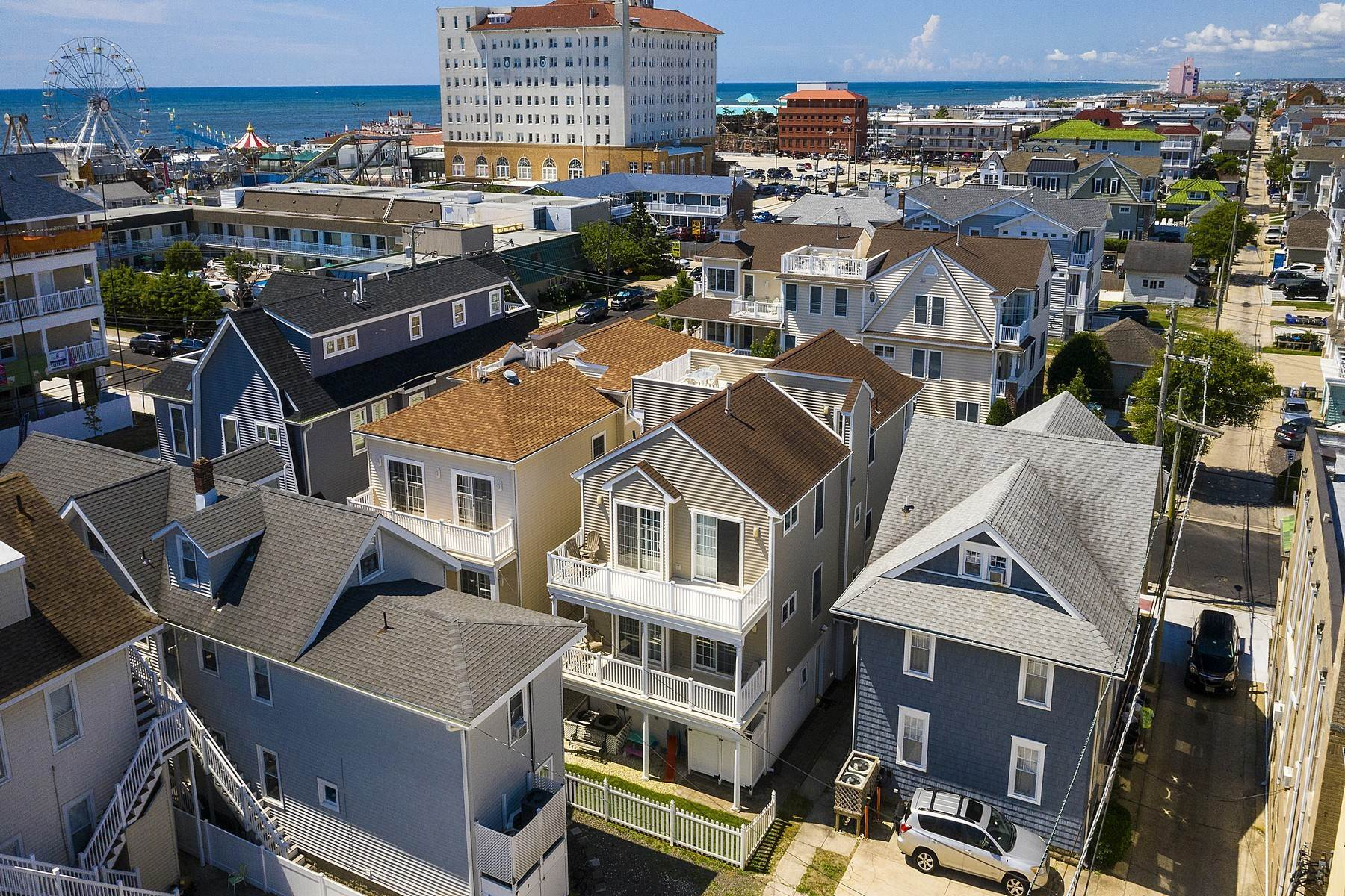 35. Duplex Homes for Sale at Centrally Located Duplex 631 E 10th Street Ocean City, New Jersey 08226 United States