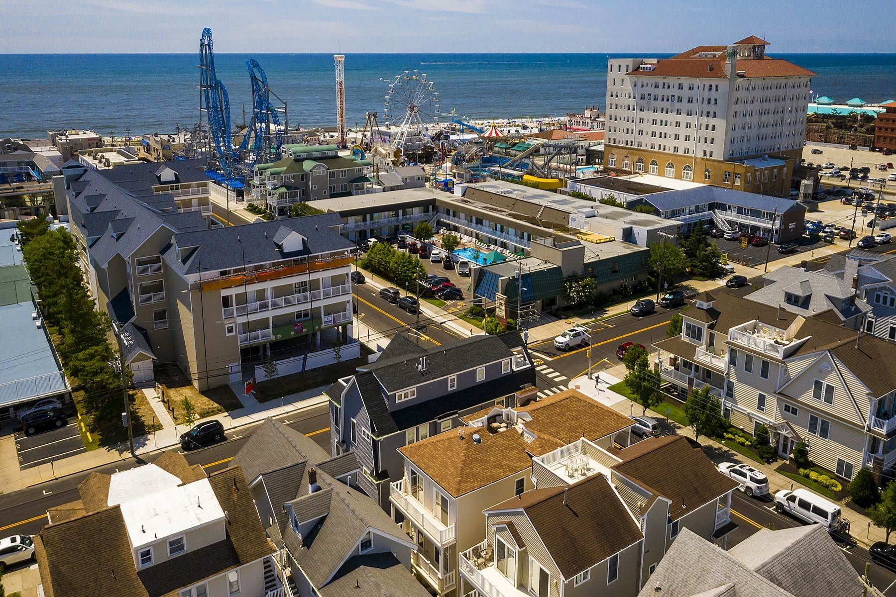 38. Duplex Homes for Sale at Centrally Located Duplex 631 E 10th Street Ocean City, New Jersey 08226 United States