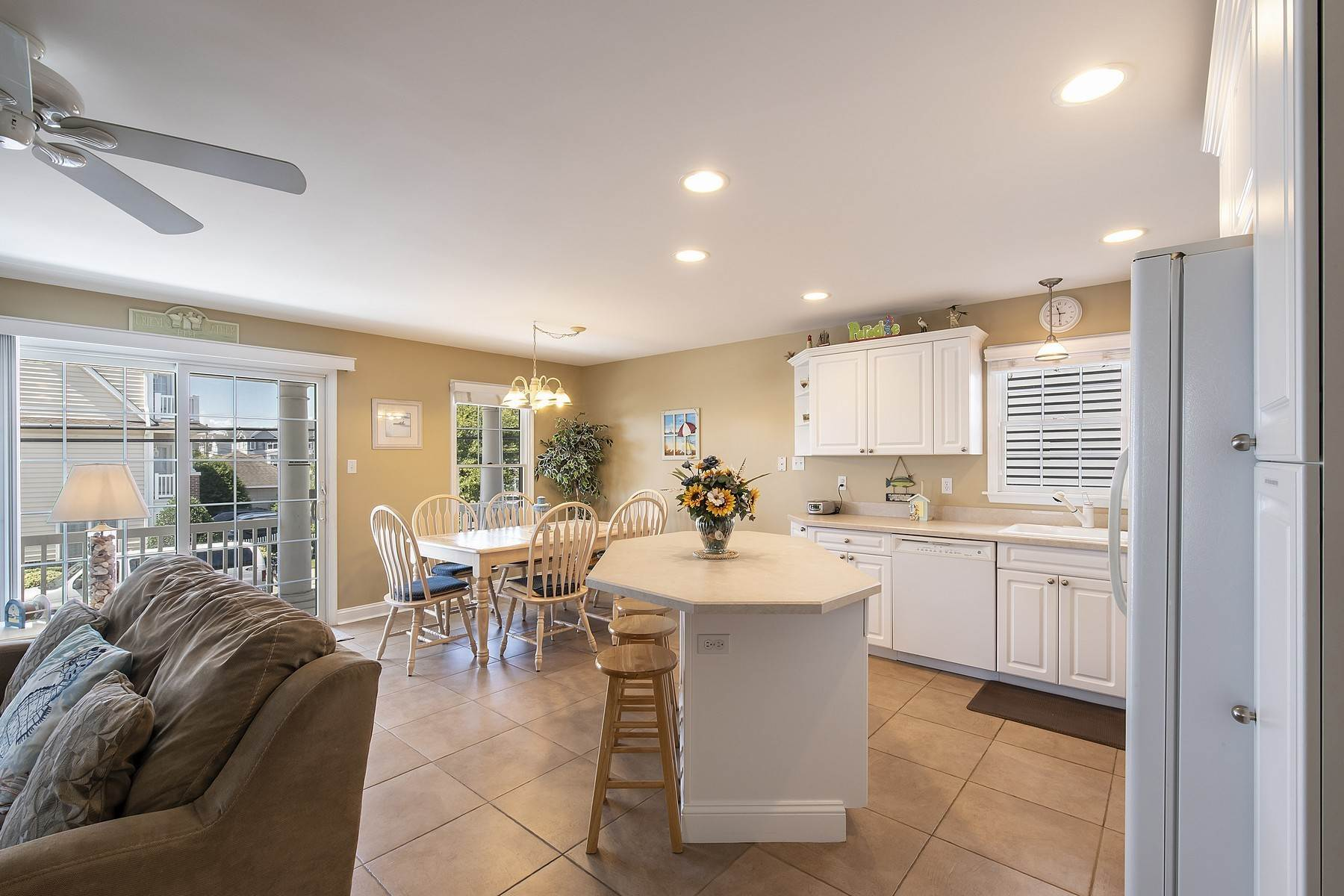 12. Duplex Homes for Sale at Centrally Located Duplex 631 E 10th Street Ocean City, New Jersey 08226 United States