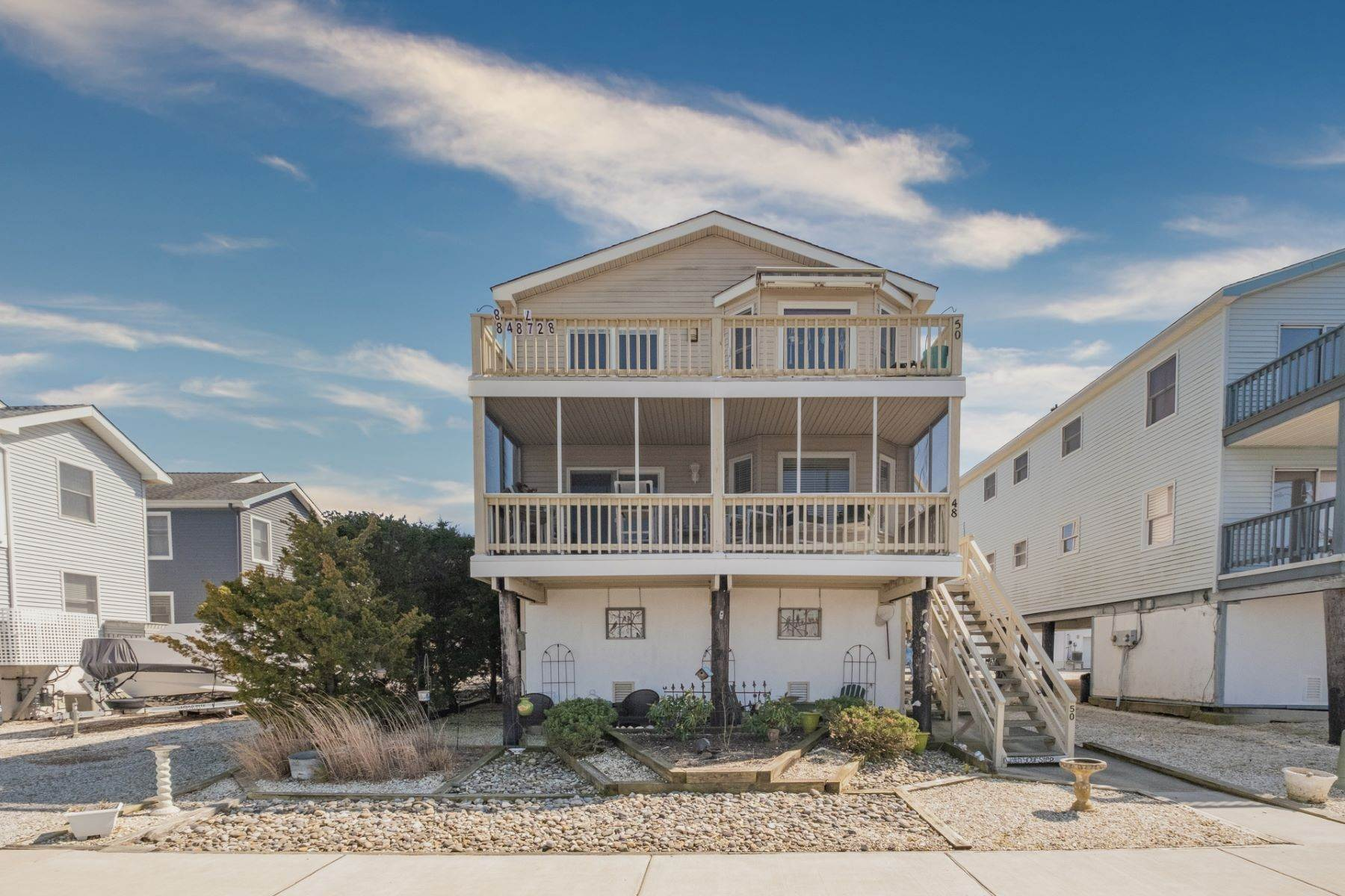 19. Condominiums for Sale at Southend First Floor Condo 48 W 55th Street Ocean City, New Jersey 08226 United States
