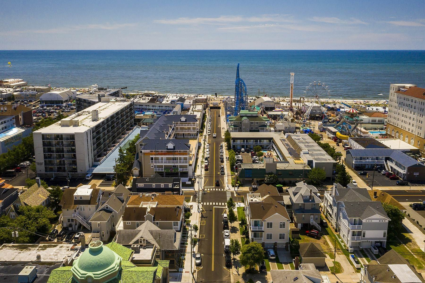 39. Duplex Homes for Sale at Centrally Located Duplex 631 E 10th Street Ocean City, New Jersey 08226 United States