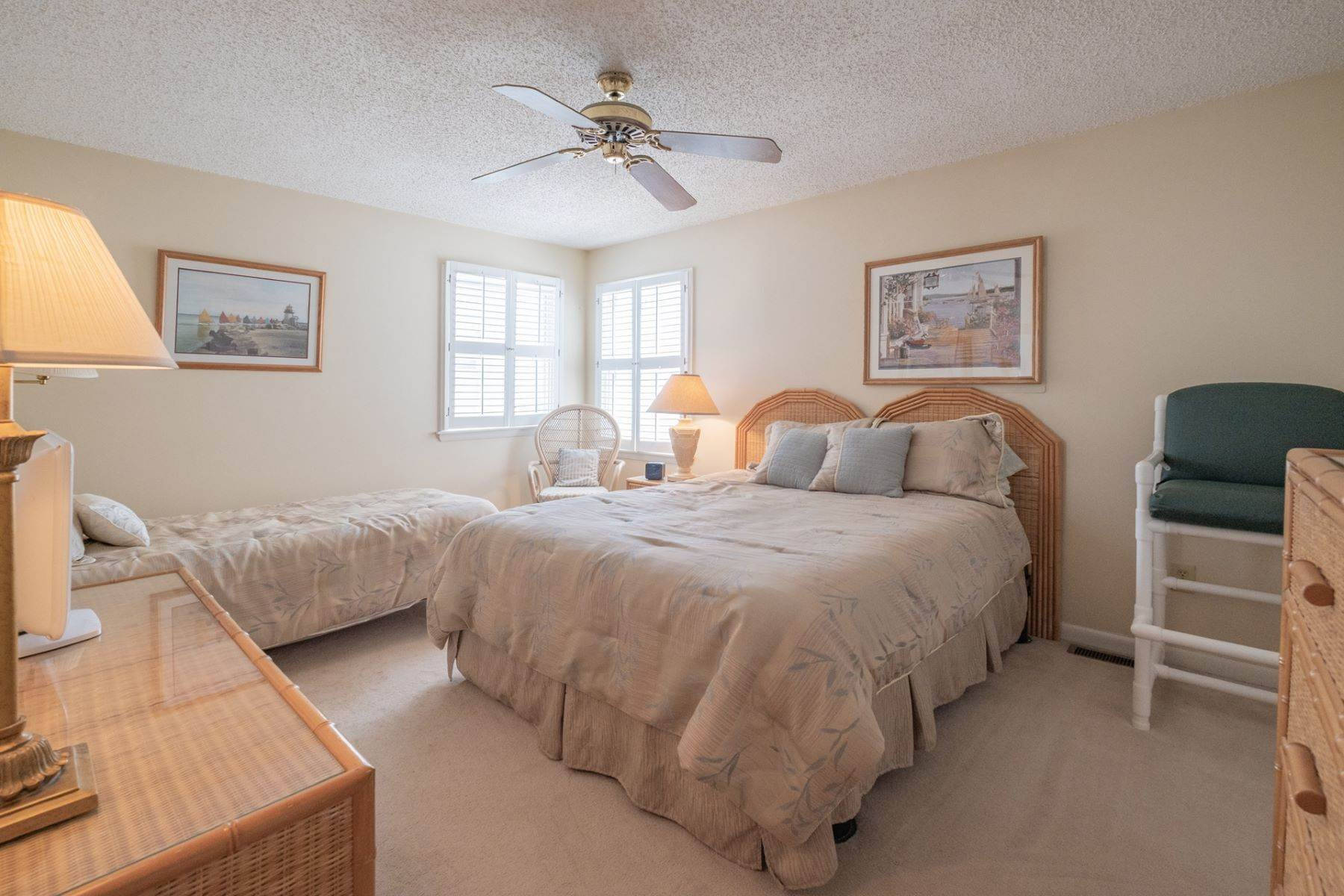 11. Condominiums for Sale at Southend First Floor Condo 48 W 55th Street Ocean City, New Jersey 08226 United States