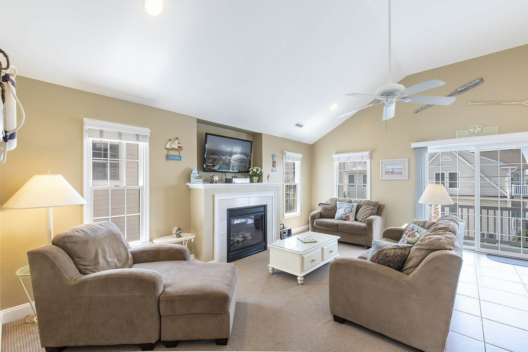 18. Duplex Homes for Sale at Centrally Located Duplex 631 E 10th Street Ocean City, New Jersey 08226 United States