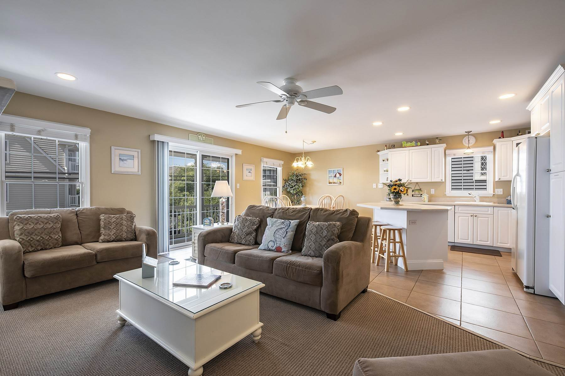 11. Duplex Homes for Sale at Centrally Located Duplex 631 E 10th Street Ocean City, New Jersey 08226 United States