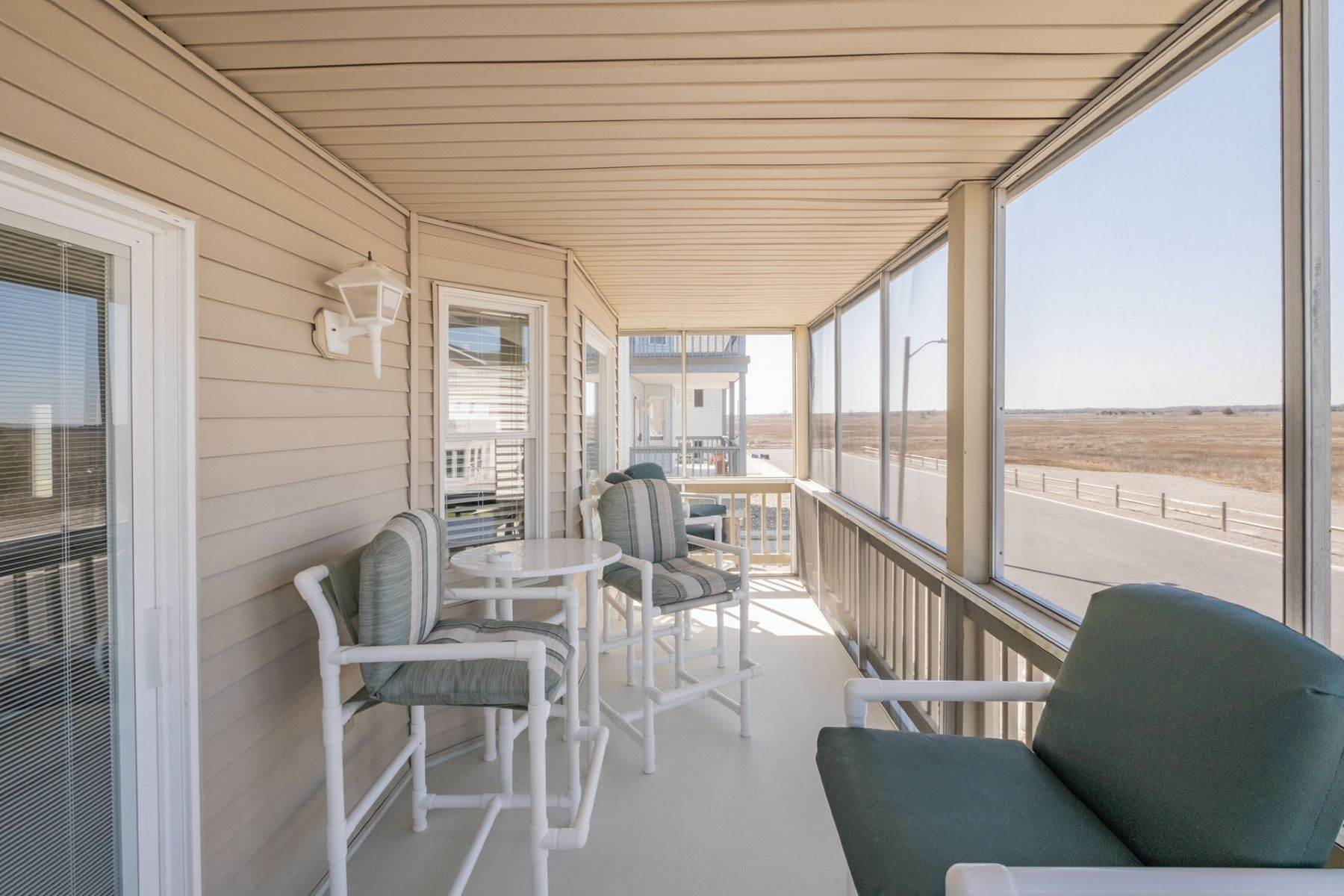 15. Condominiums for Sale at Southend First Floor Condo 48 W 55th Street Ocean City, New Jersey 08226 United States