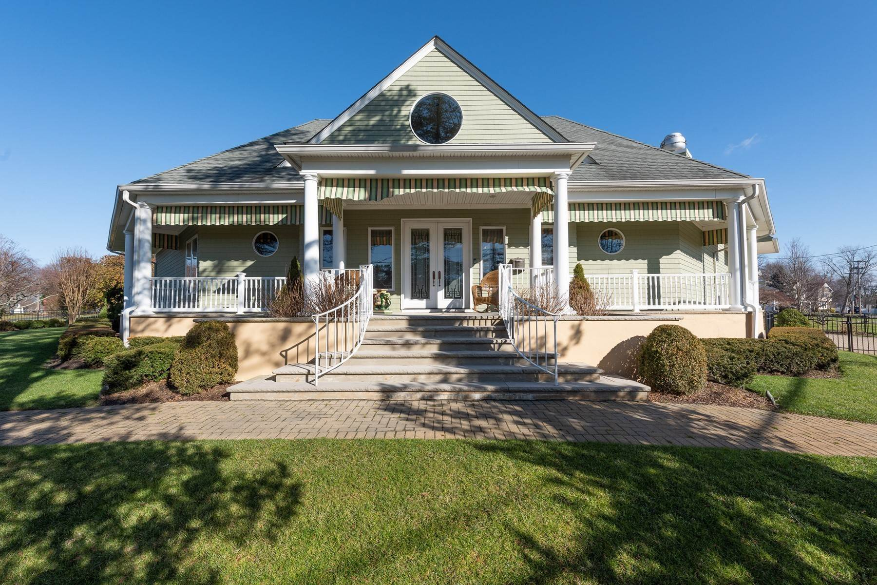 Single Family Homes for Sale at 1 Monmouth Pkwy 1 Monmouth Parkway Monmouth Beach, New Jersey 07750 United States