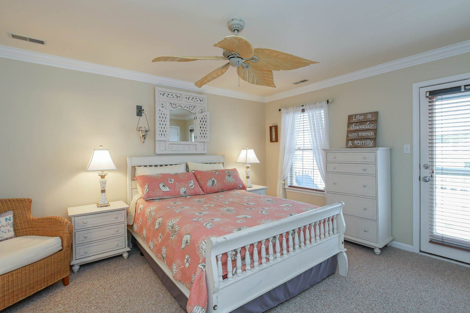 14. Condominiums for Sale at 1336-38 Wesley Ave, Unit 2 Ocean City, New Jersey 08226 United States