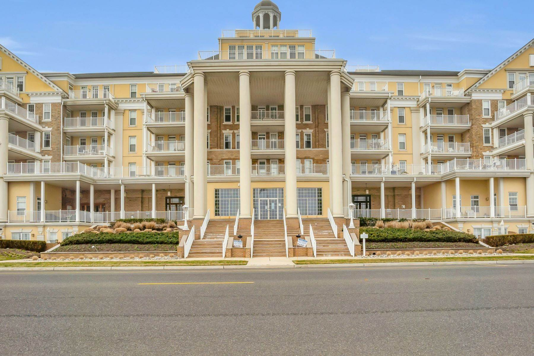Condominiums for Sale at Oceanfront Condo 700 Ocean Avenue 332 Spring Lake, New Jersey 07762 United States