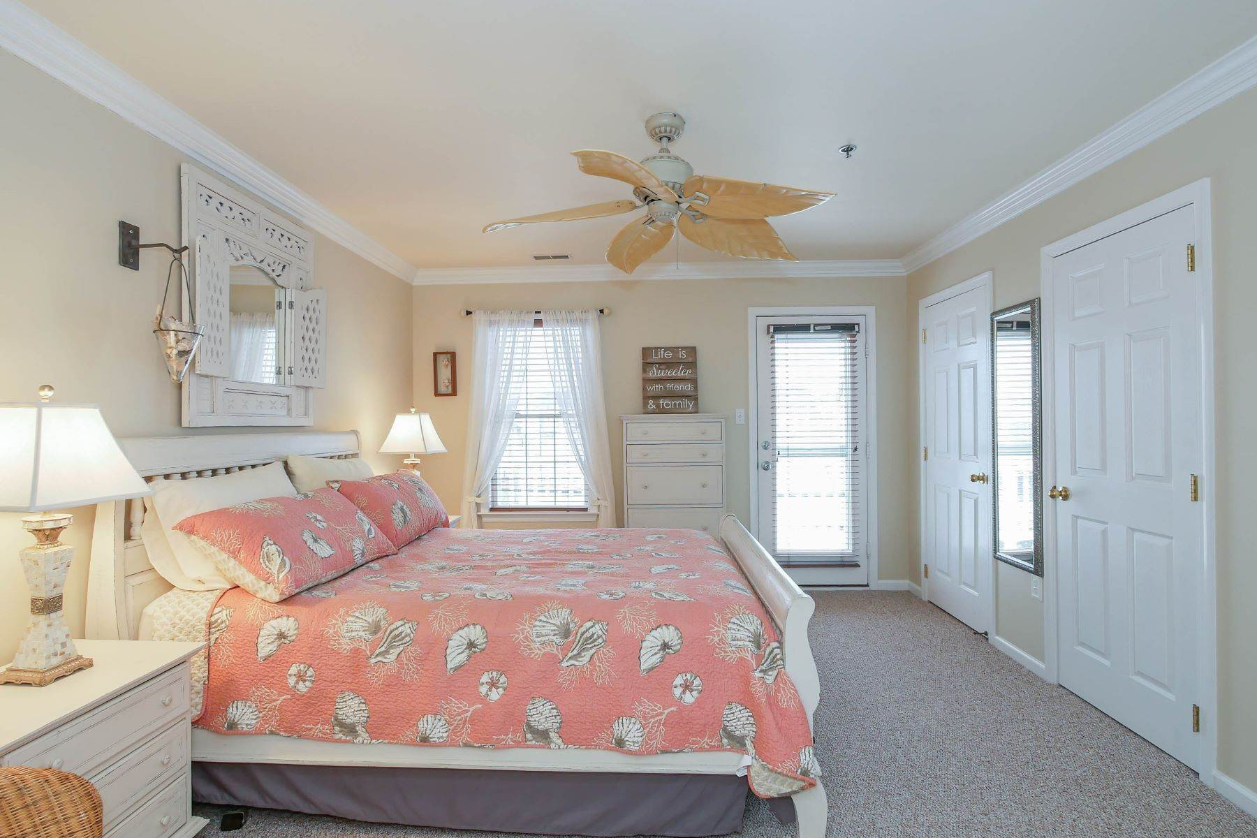 15. Condominiums for Sale at 1336-38 Wesley Ave, Unit 2 Ocean City, New Jersey 08226 United States