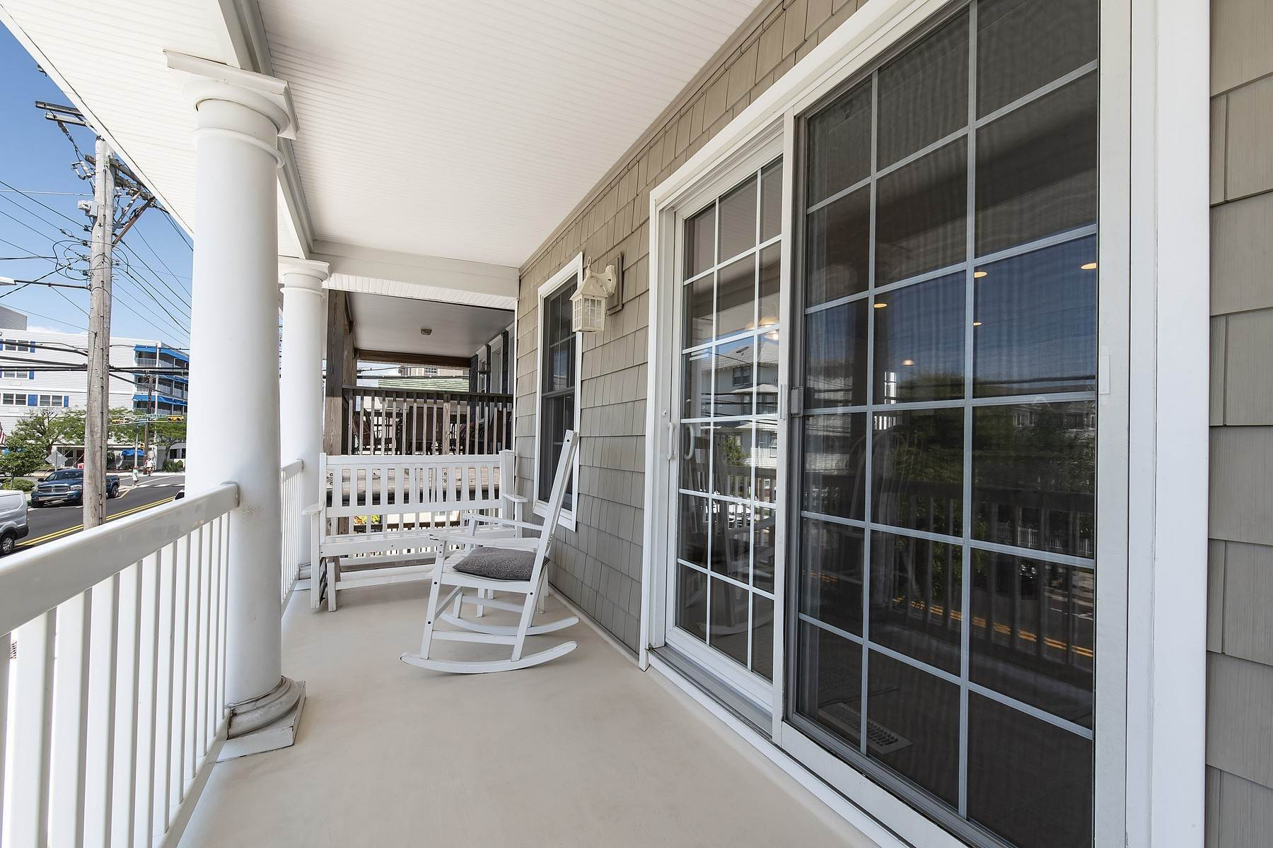 16. Duplex Homes for Sale at Centrally Located Duplex 631 E 10th Street Ocean City, New Jersey 08226 United States
