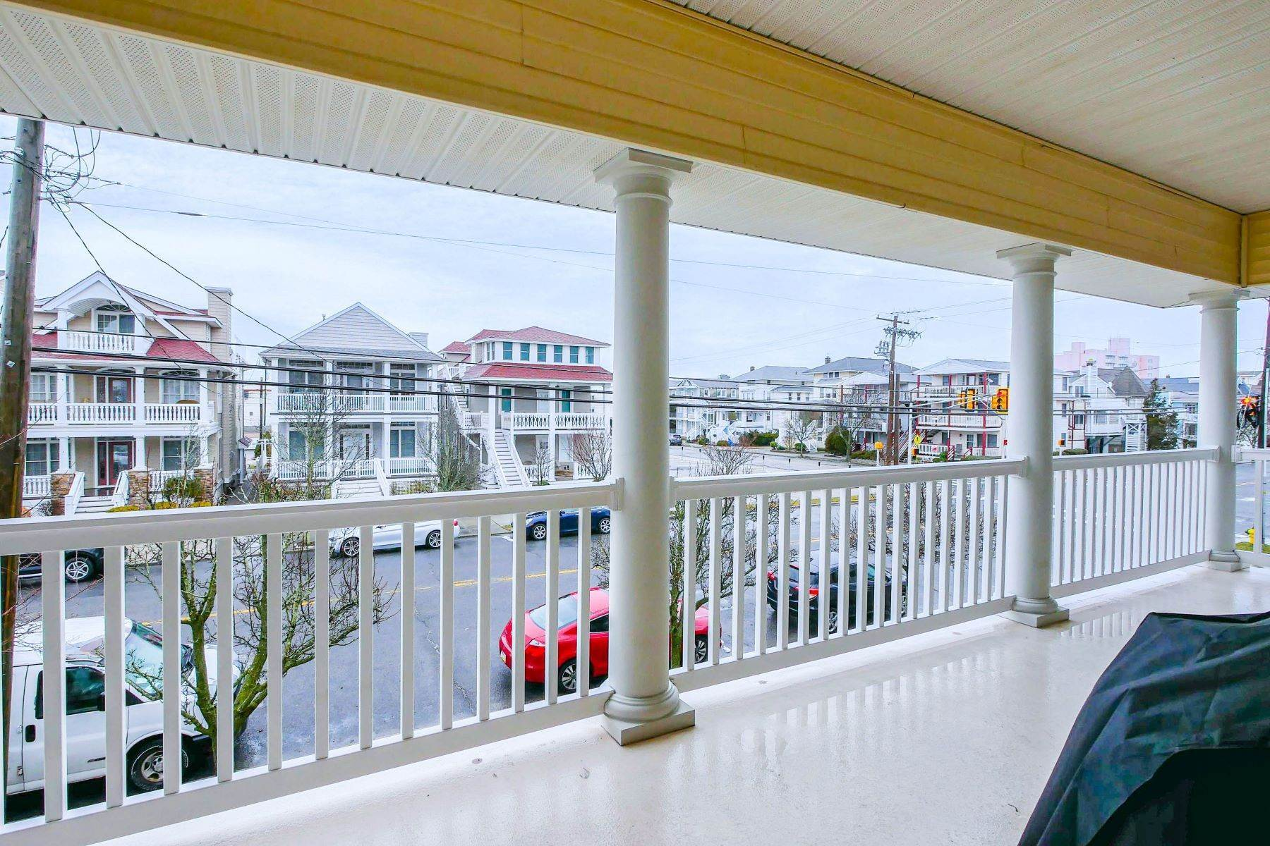 9. Condominiums for Sale at 1336-38 Wesley Ave, Unit 2 Ocean City, New Jersey 08226 United States