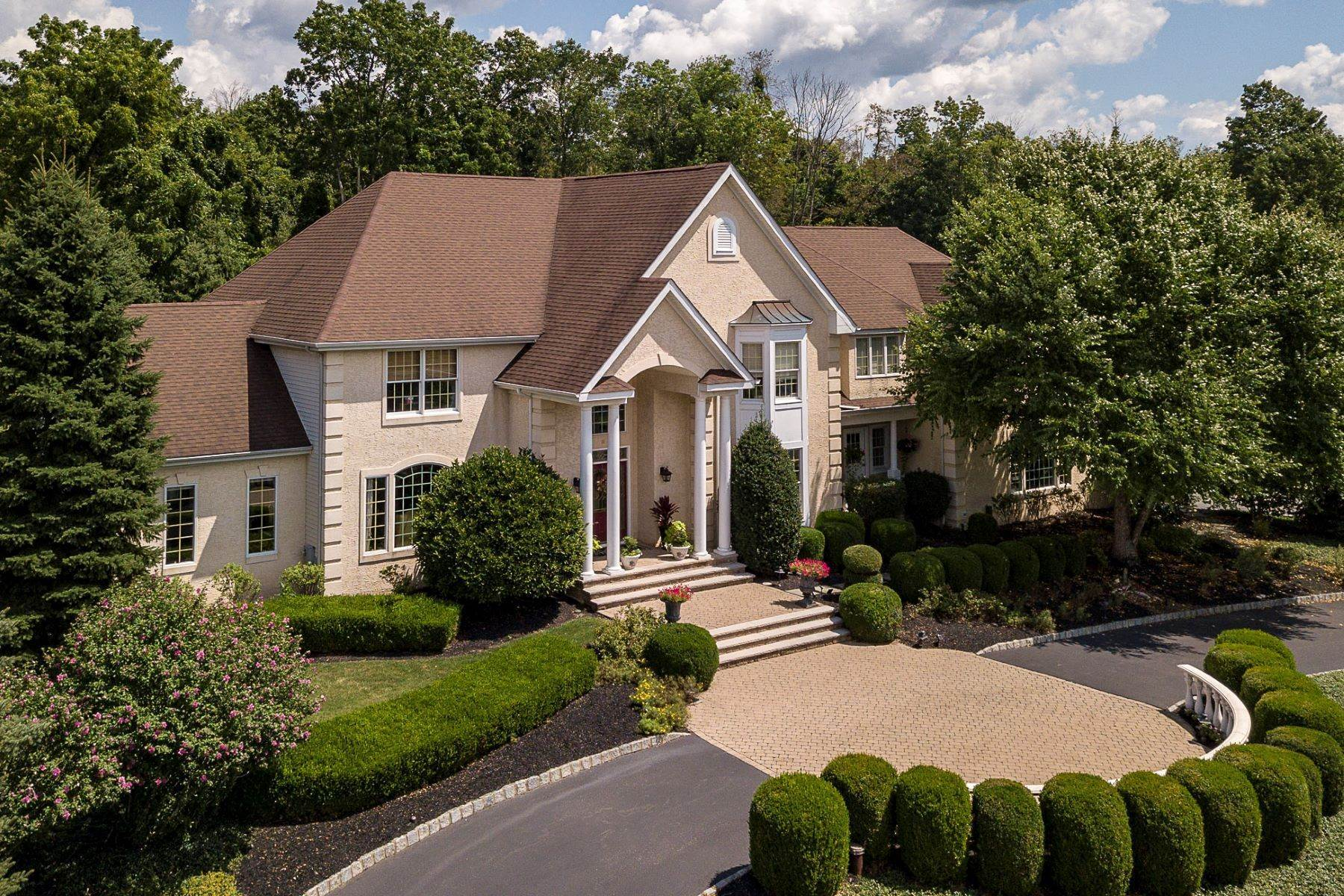 Single Family Homes for Sale at Spectacular Home For The Luxury Buyer 11 Turtle Court Flemington, New Jersey 08822 United States