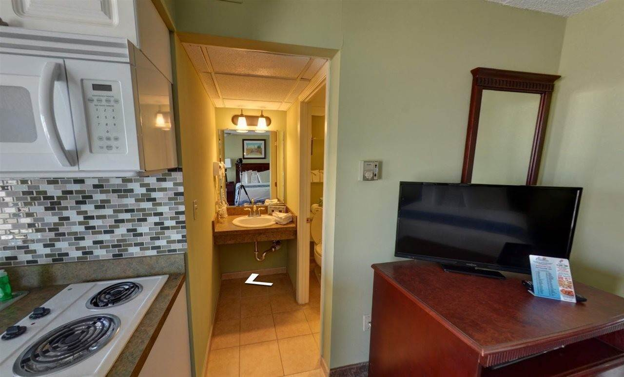 6. Condominiums for Sale at 8501 Atlantic Avenue Wildwood Crest, New Jersey 08260 United States