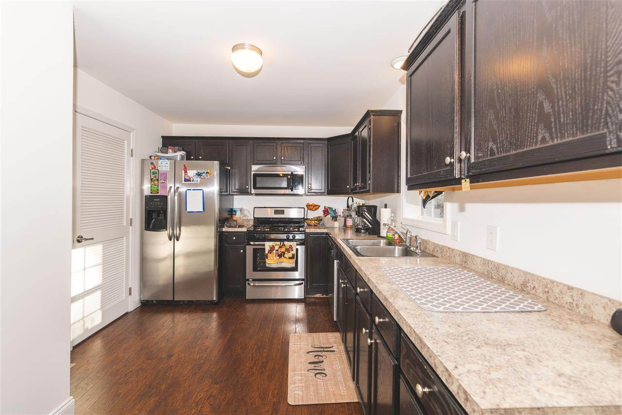 14. Condominiums for Sale at 211 W Pacific Avenue Cape May Court House, New Jersey 08204 United States