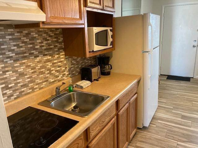 7. Condominiums for Sale at 225 E Wildwood Avenue Wildwood, New Jersey 08260 United States