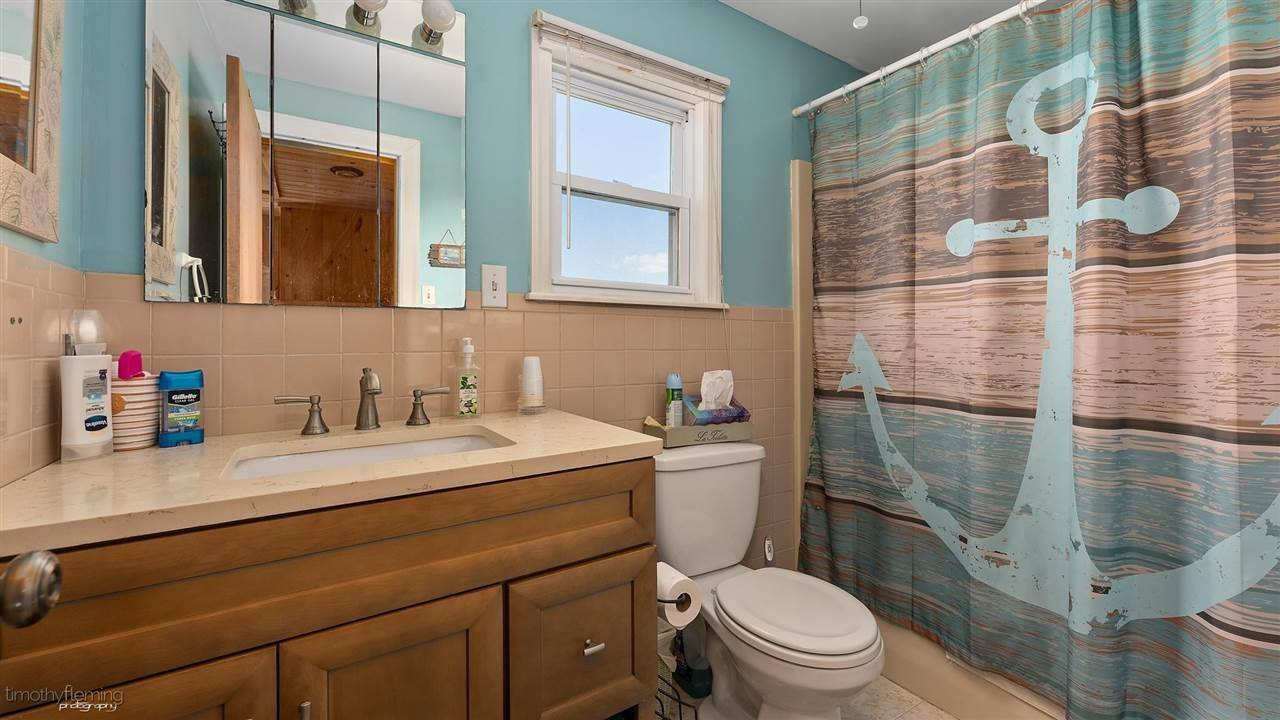 18. Single Family Homes for Sale at Hereford Avenue Grassy Sound, New Jersey 08260 United States
