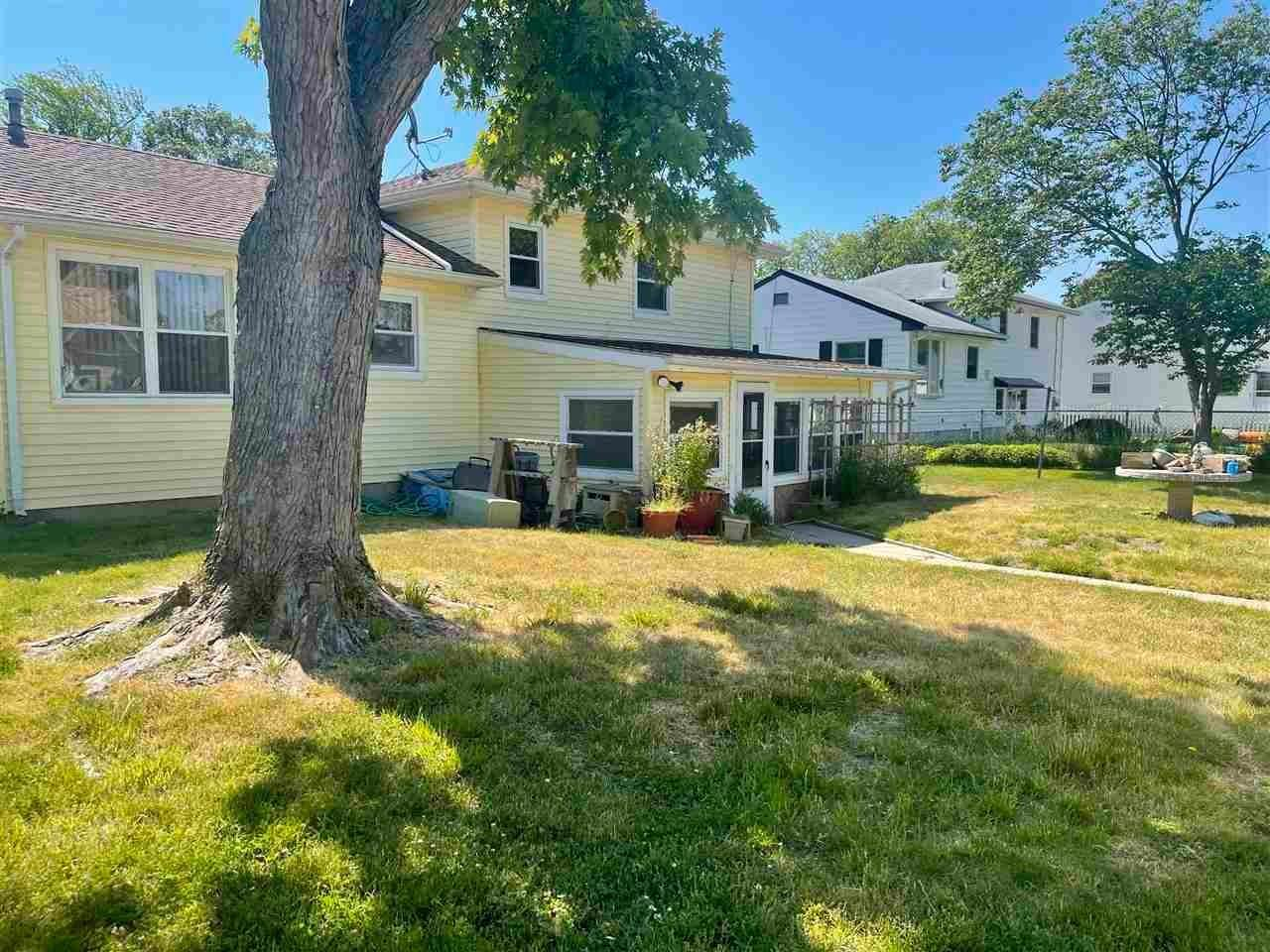 17. Single Family Homes for Sale at 400 Winslow Avenue North Cape May, New Jersey 08204 United States