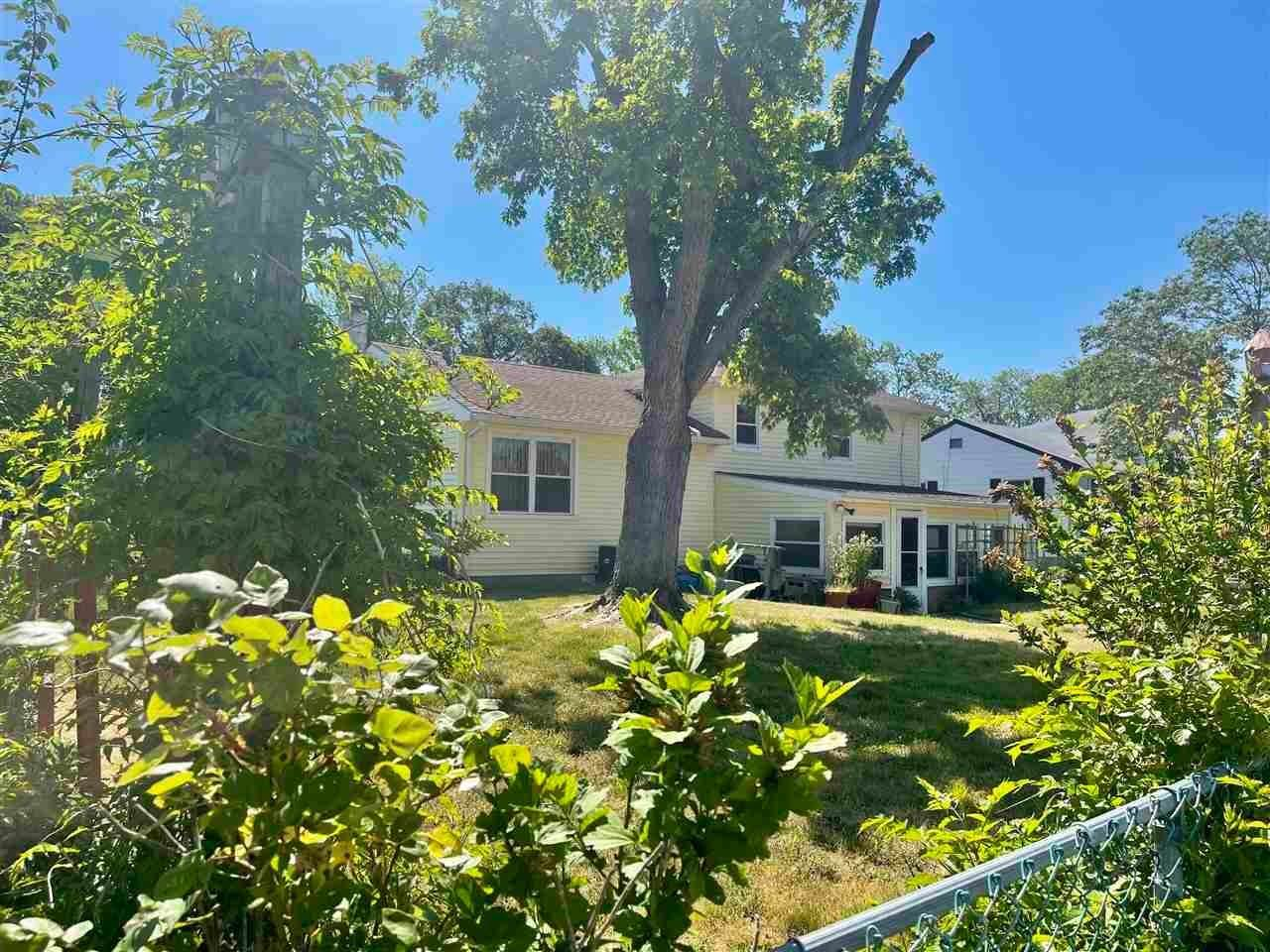19. Single Family Homes for Sale at 400 Winslow Avenue North Cape May, New Jersey 08204 United States