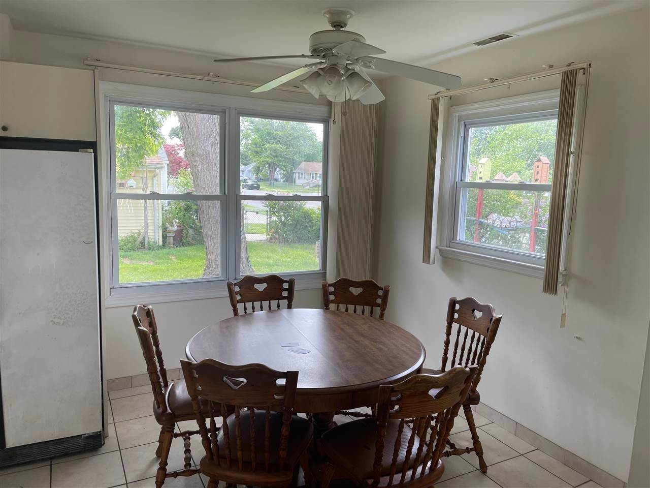 5. Single Family Homes for Sale at 400 Winslow Avenue North Cape May, New Jersey 08204 United States