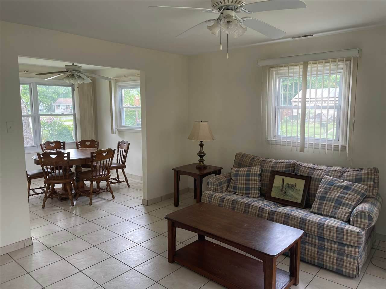 7. Single Family Homes for Sale at 400 Winslow Avenue North Cape May, New Jersey 08204 United States
