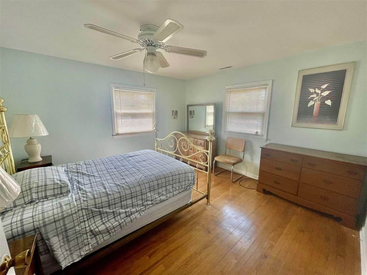 8. Single Family Homes for Sale at 400 Winslow Avenue North Cape May, New Jersey 08204 United States
