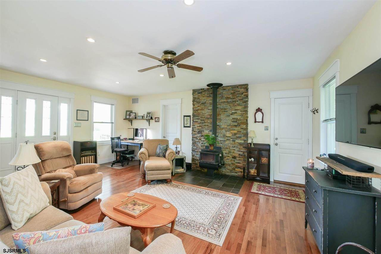4. Single Family Homes at 7 Lake Corson Upper Twp Marmora, New Jersey 08223 United States