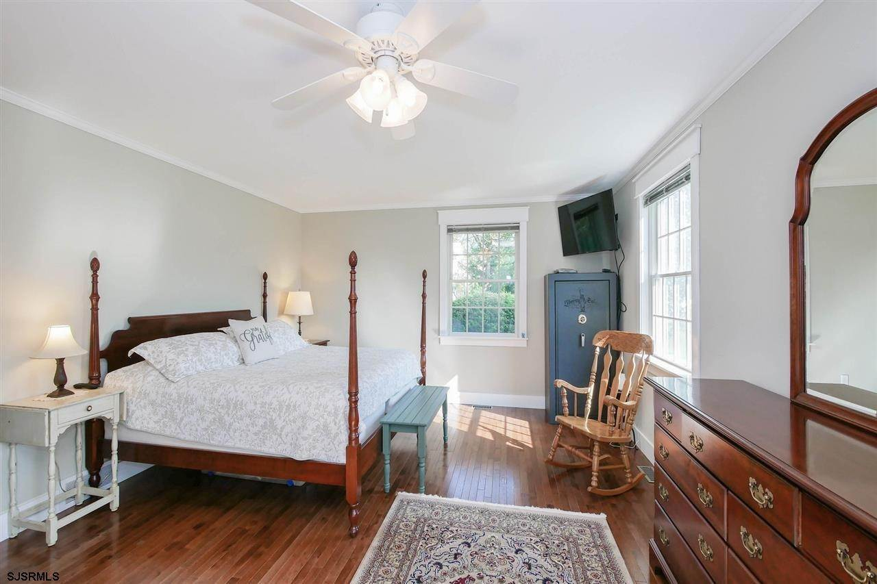 6. Single Family Homes at 7 Lake Corson Upper Twp Marmora, New Jersey 08223 United States