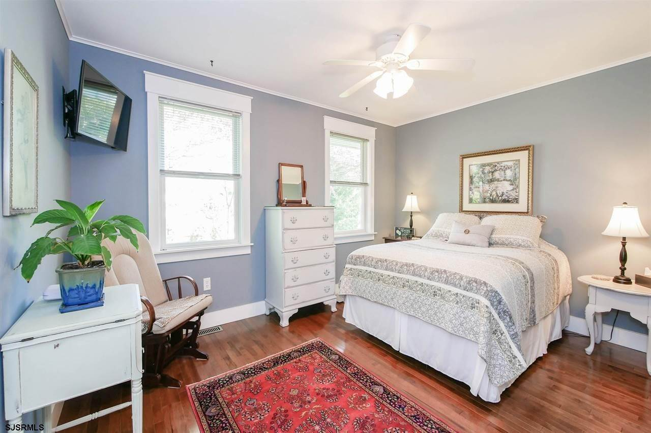10. Single Family Homes at 7 Lake Corson Upper Twp Marmora, New Jersey 08223 United States