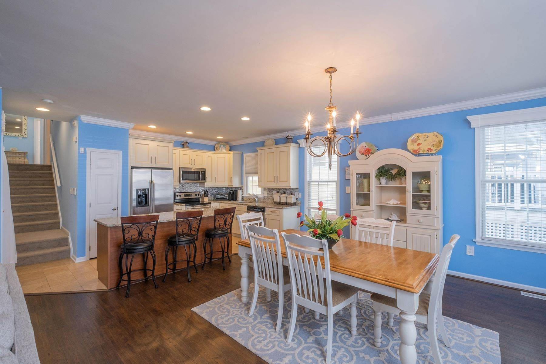 8. Condominiums for Sale at Spacious First Floor Condo 1021 Central Ave Ocean City, New Jersey 08226 United States