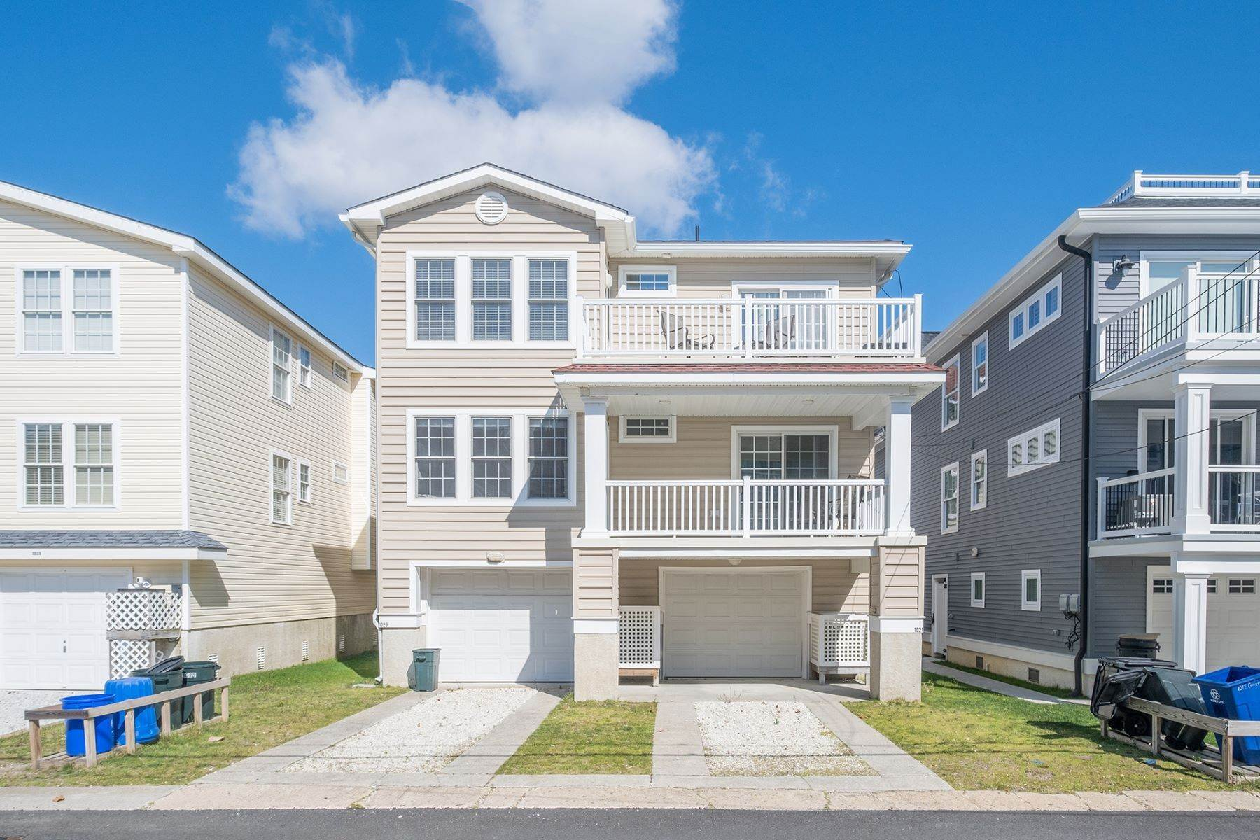 23. Condominiums for Sale at Spacious First Floor Condo 1021 Central Ave Ocean City, New Jersey 08226 United States