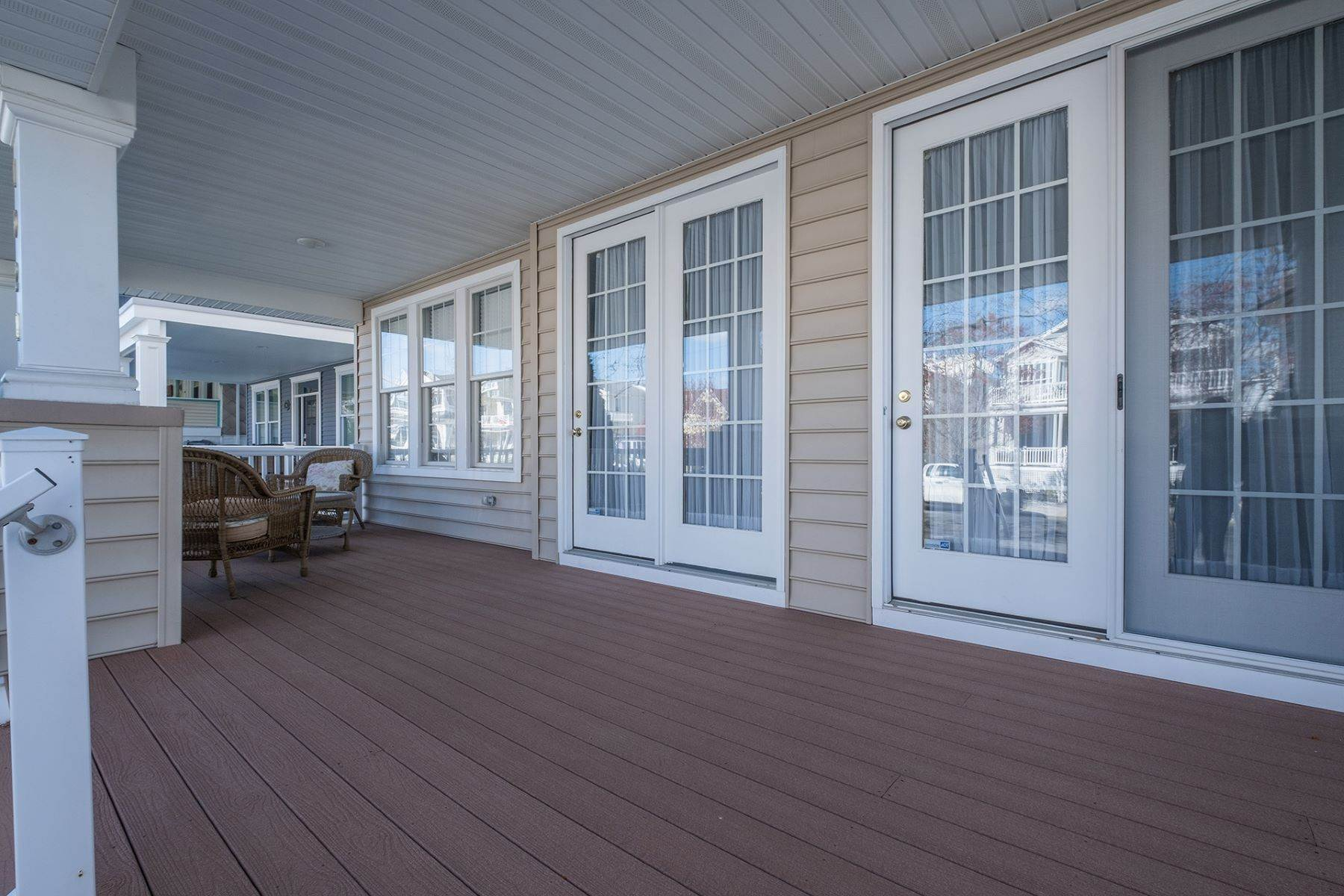 3. Condominiums for Sale at Spacious First Floor Condo 1021 Central Ave Ocean City, New Jersey 08226 United States