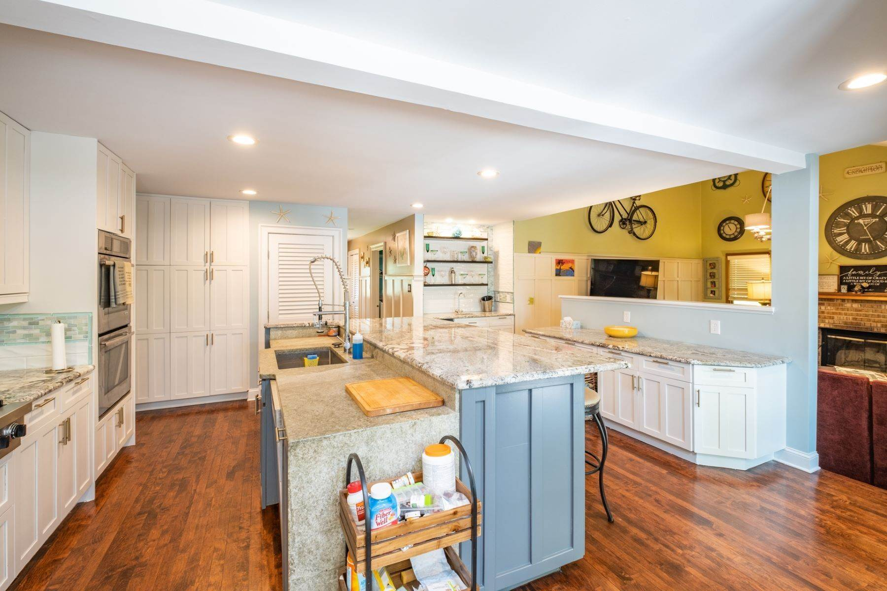 6. Single Family Homes for Sale at 5 Lauradell Drive South Seaville, New Jersey 08230 United States