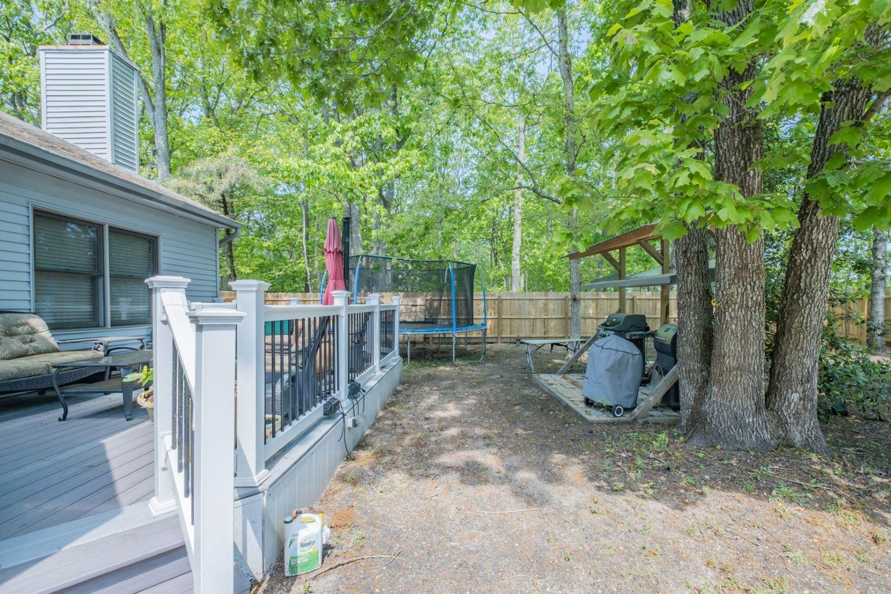 24. Single Family Homes for Sale at 5 Lauradell Drive South Seaville, New Jersey 08230 United States