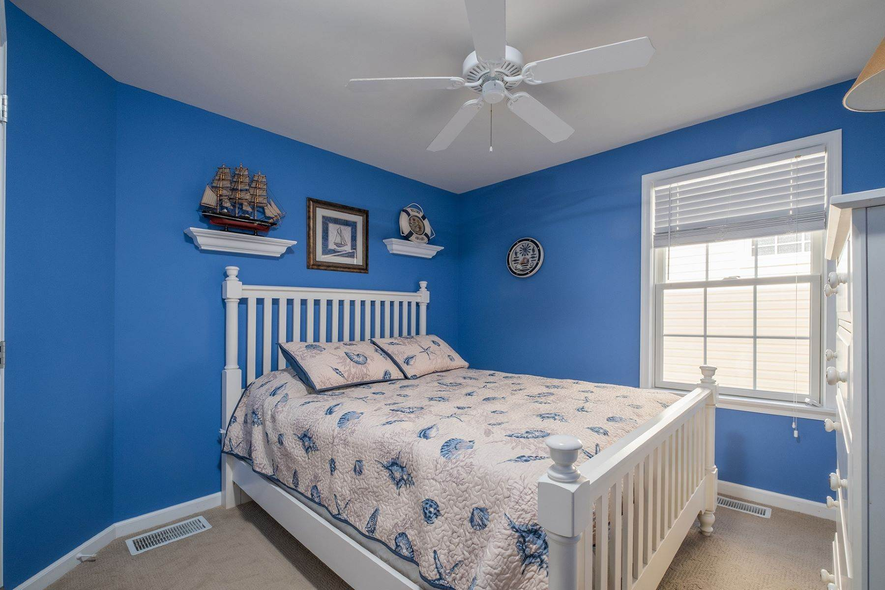 10. Condominiums for Sale at Spacious First Floor Condo 1021 Central Ave Ocean City, New Jersey 08226 United States