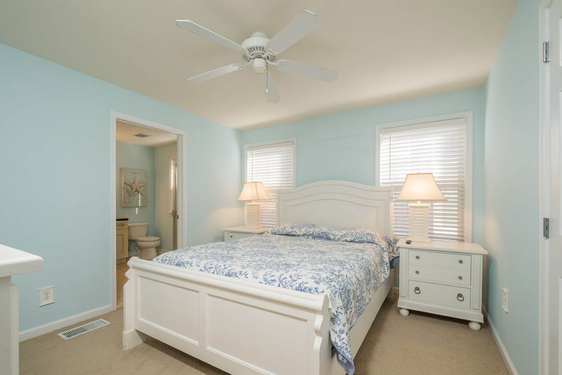 13. Condominiums for Sale at Spacious First Floor Condo 1021 Central Ave Ocean City, New Jersey 08226 United States