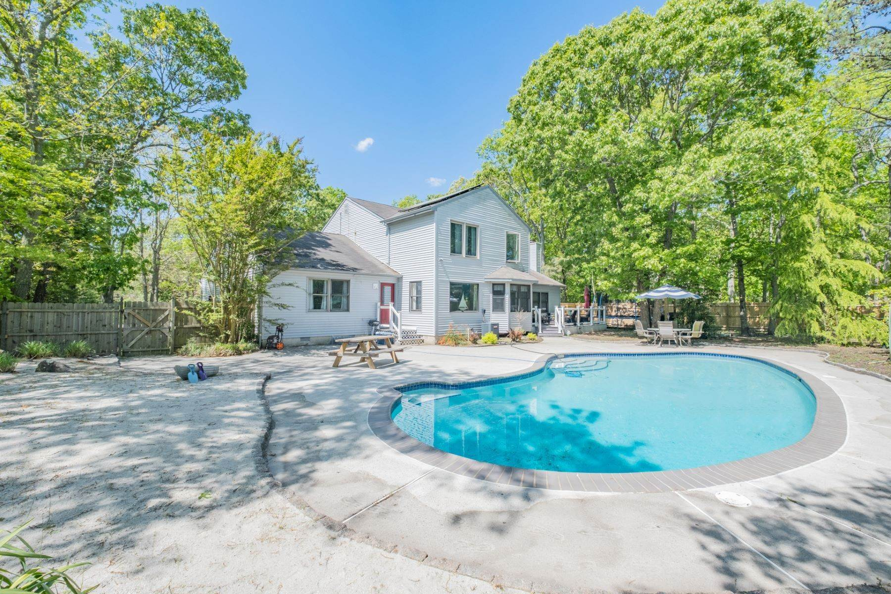 27. Single Family Homes for Sale at 5 Lauradell Drive South Seaville, New Jersey 08230 United States