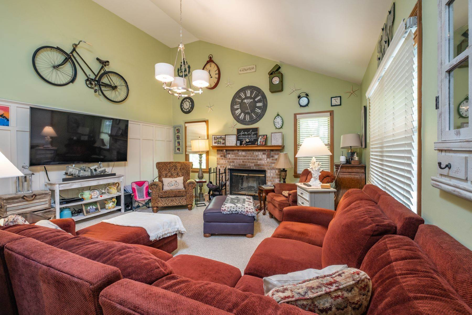 4. Single Family Homes for Sale at 5 Lauradell Drive South Seaville, New Jersey 08230 United States