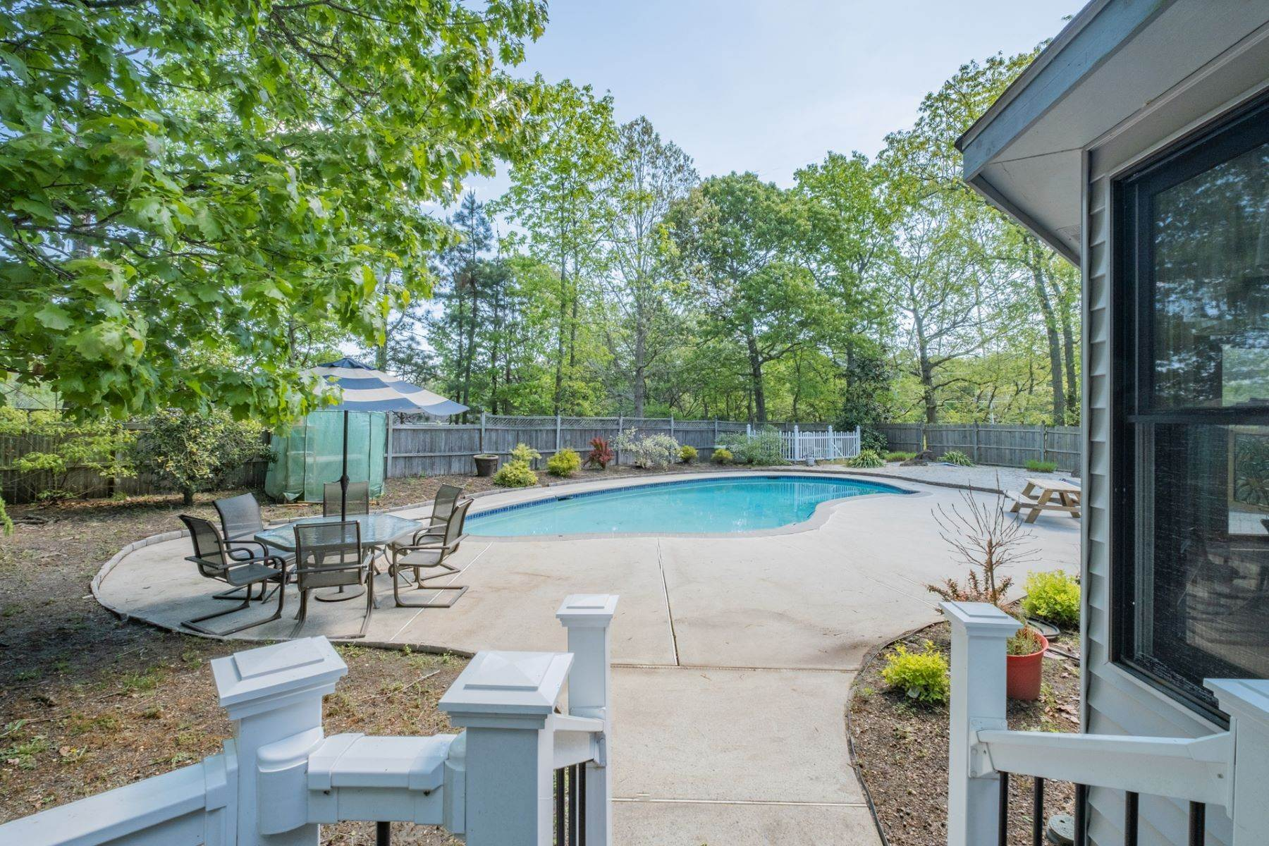 25. Single Family Homes for Sale at 5 Lauradell Drive South Seaville, New Jersey 08230 United States